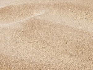 Piasek na plaży nadmorskiej