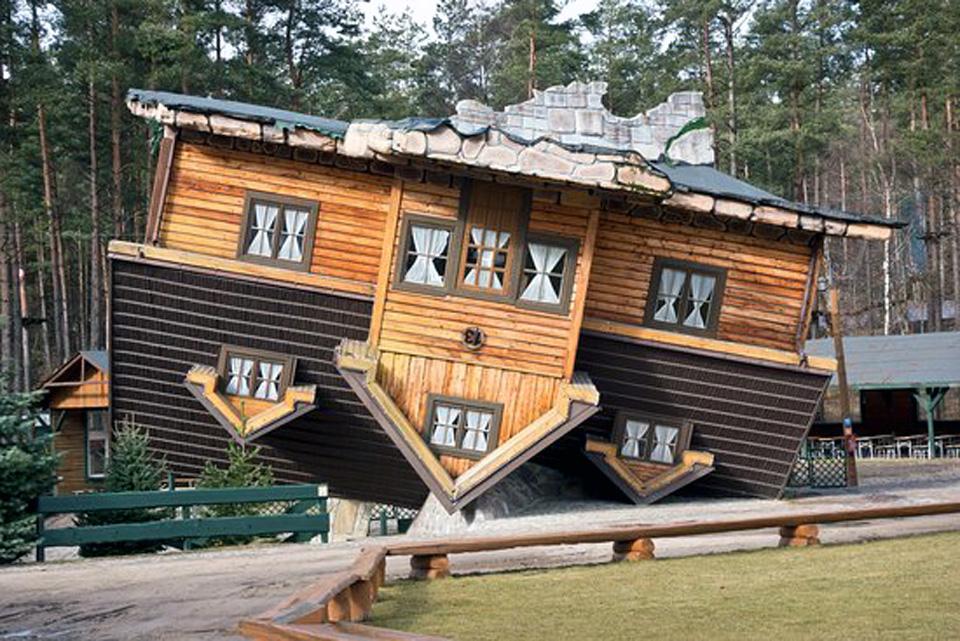 Szymbark - Dom do góry nogami - Spacerem po Kaszubach